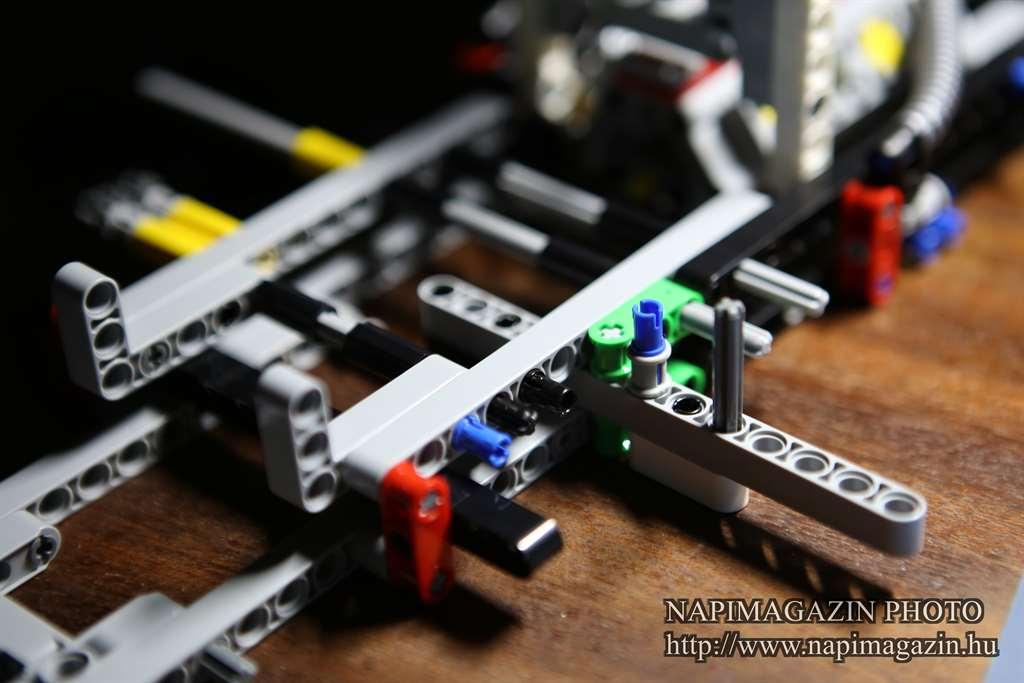 42039-lego-technic-24-oras-versenyauto-teszt-napimagazin-010
