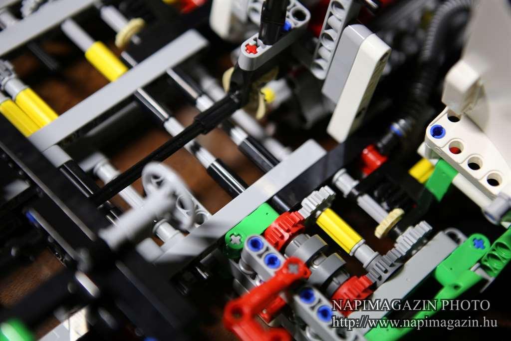 42039-lego-technic-24-oras-versenyauto-teszt-napimagazin-016