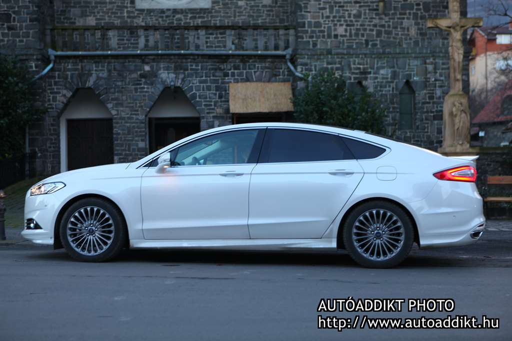 ford_mondeo_sync2_gps_challenge_006